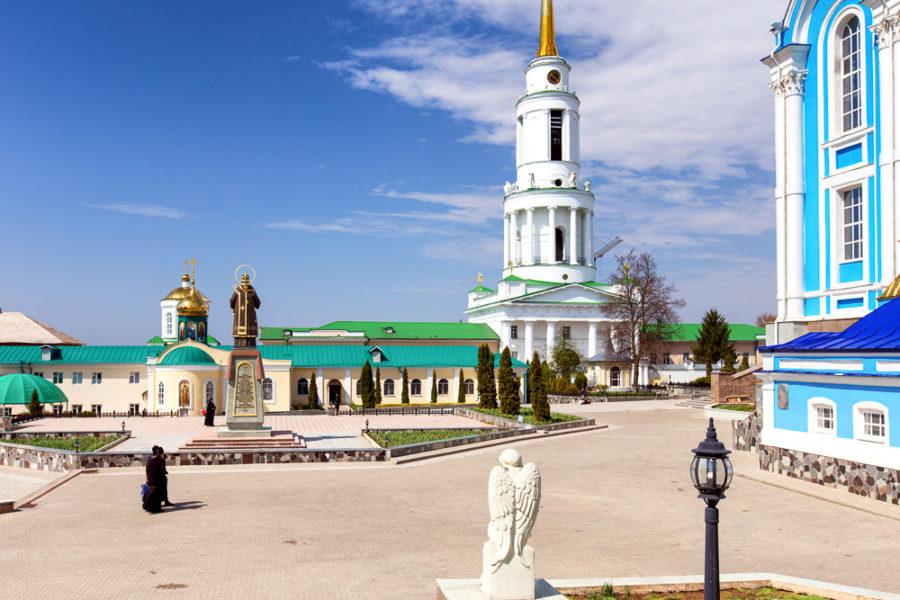Надвратная церковь с колокольней